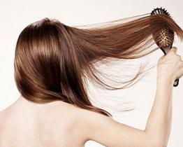 Come prevenire e diminuire la perdita dei capelli