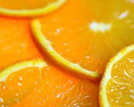 Vi piacciono le arance? Non buttate la parte bianca, è piena di antiossidanti