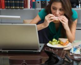 Pranzare in ufficio consigli per un pranzo sano nell ufficio - Consigli per pranzo ...