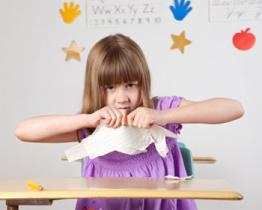 Mio bambino ha cominciato la guerra contro la scuola contro i compiti